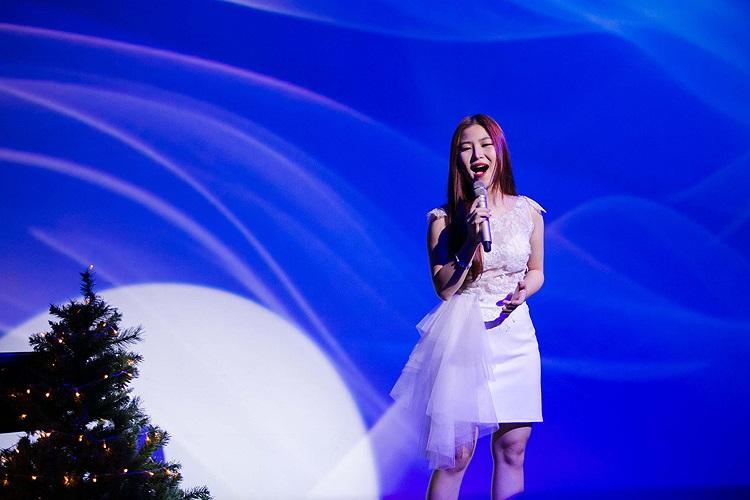 các single và MV đã phát hành của cô là Ngại ngùng, Với em là mãi mãi, Đánh thức, Single Noel 2013... Bên cạnh đó, Hương Tràm cũng tham gia các chương trình, hoạt động nghệ thuật lớn.