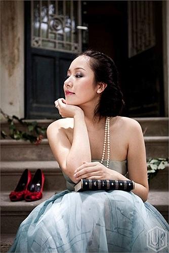 Ngoài ra, bố mẹ của Hoa hậu đều là những nhà ngoại giao mẫu mực. Bố của Ngô Phương Lan là Ngô Quang Xuân, Phó chủ nhiệm Ủy ban đối ngoại Quốc hội Việt Nam 2008, nguyên Đại sứ Việt Nam tại Thụy Sỹ.