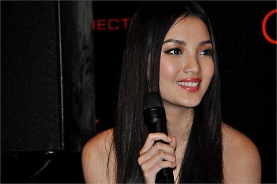Huỳnh Bích Phương được biết đến với nhan sắc thánh thiện, gương mặt phúc hậu khi tham gia cuộc thi Hoa hậu Việt Nam 2010.