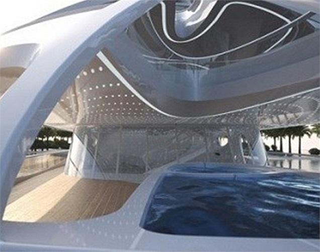Zaha Hadid, kiến trúc sư người Anh, đã gửi bản thiết kế một siêu du thuyền mới cho Công ty đóng tàu Blohm và Voss của Đức. Bản thiết kế của cô đã nhanh chóng dành được sự quan tâm của ban quản trị công ty và họ đã cho khởi công ngay 5 mẫu đầu tiên.