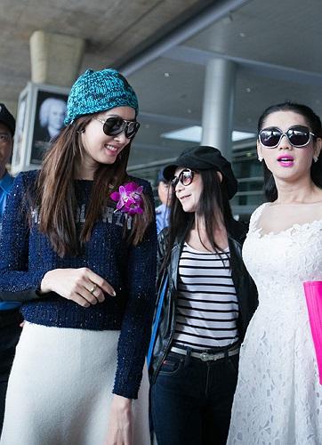 Nong Poy đến Việt Nam để tham dự liveshow của ca sỹ Lâm Chi Khanh sắp diễn ra.