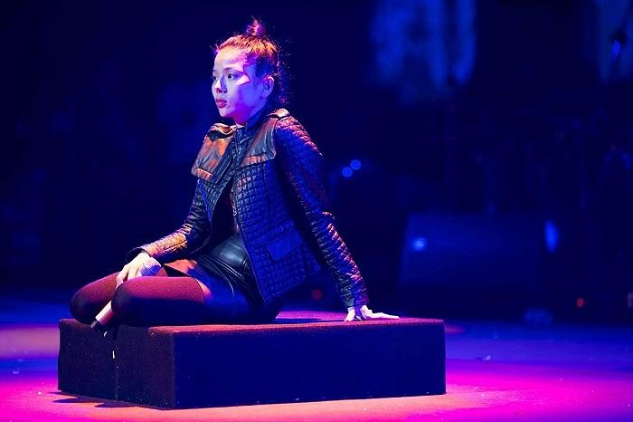 Tối nay (14/12), liveshow kỷ niệm 15 năm ca hát của Lệ Quyên sẽ đến với khán giả yêu âm nhạc tại quê nhà sau 3 năm.