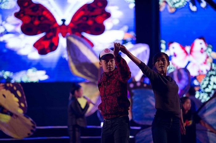 Q Show được kỳ vọng là 1 đêm nhạc đẳng cấp có sự tham gia của những nghệ sỹ tên tuổi trong làng giải trí hiện nay.