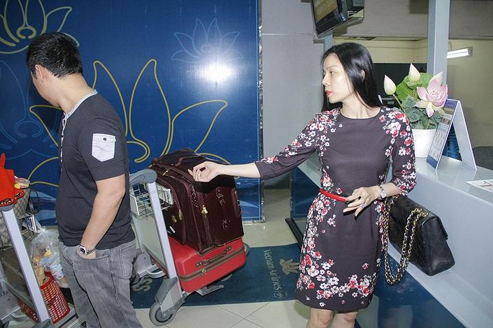 Cô cùng ông xã và ê kíp đã ra Hà Nội để chuẩn bị thật tốt cho đêm diễn đặc biệt này.