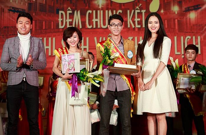 Các giải nam sinh thân thiện và nữ sinh thân thiện thuộc về Nguyễn Trần Thái Nam (SBD 069, K58 Quốc tế học) và Nguyễn Vũ Hồng Ngân (SBD 036, K58 Khoa học Quản lí).
