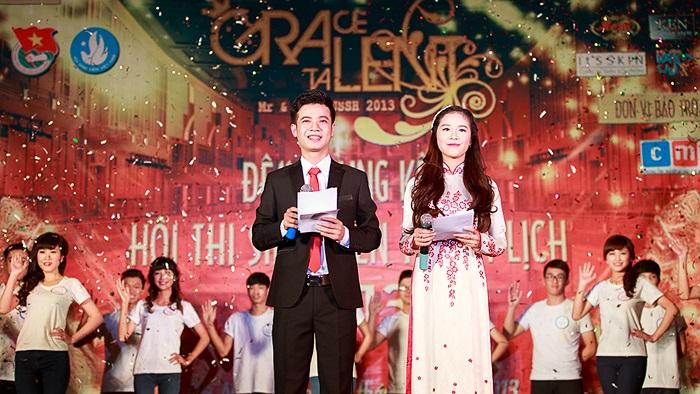 MC của Đêm Chung kết là những gương mặt quen thuộc: Mai Đăng Khoa (VP Đoàn Trường) và Minh Trang (Gương mặt khả ái Facelook 2012).