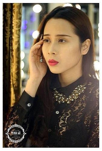 Lưu Hương Giang tung những bức ảnh chưa photoshop, với chiếc cằm 'kém thon gọn' nhưng không chỉnh sửa.