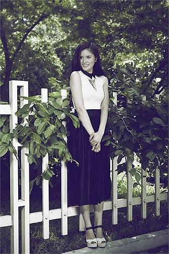 Biệt danh 'gái quê' gắn liền với Lê Phương từ những ngày đầu tham gia Vietnam's Next Top Model 2010 bởi hình ảnh chân chất và phong cách có đôi chút ngây ngô.