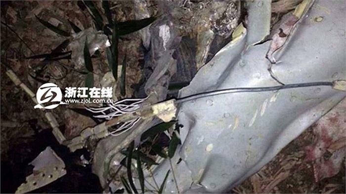 Vụ tai nạn xảy ra lúc 19h10 giờ địa phương ngày 12/12 tại thôn Dương Khẩu, thị trấn Báo Phúc, huyện An Cát, tỉnh Chiết Giang, Trung Quốc