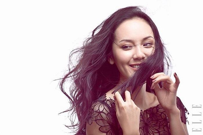 Phương Linh dịu dàng tóc dài.