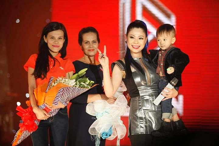 Người thân, bạn bè chúc mừng liveshow Thanh Thảo.