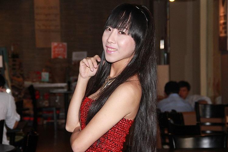 Xem thêm ảnh đời thường của người đẹp chuyển giới Minh Ngọc: