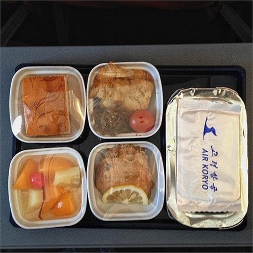 Một số món ăn trên máy bay của hãng hàng không Triều Tiên