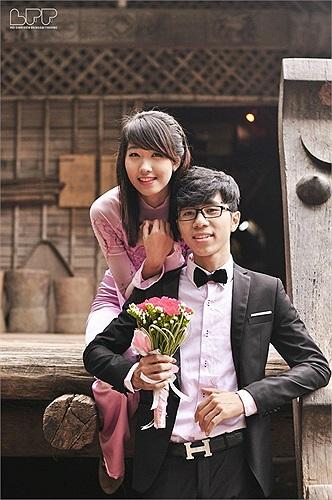 Hiện Hồng Vi là sinh viên khoa Tài chính ngân hàng - đại học Ngoại thương.