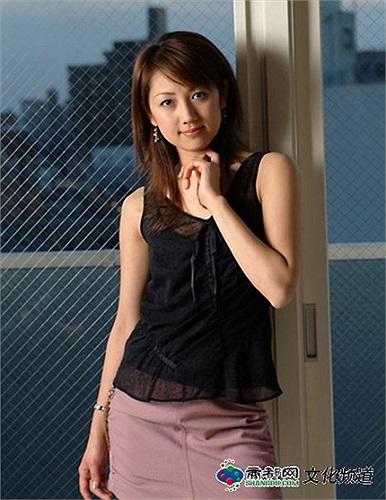 Dương Huệ Nghiên kết hôn năm 2006 và có một cô con gái