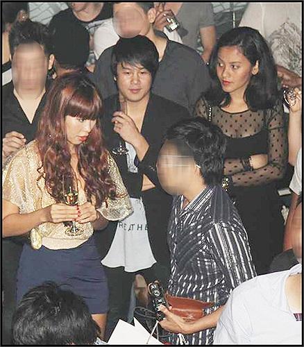 Một vài bạn bè thân thiết cho biết, bên cạnh việc nối nghiệp gia đình, Huệ Vân còn dành thời gian giúp Thanh Bùi quản lý trường nhạc Soul Academy.