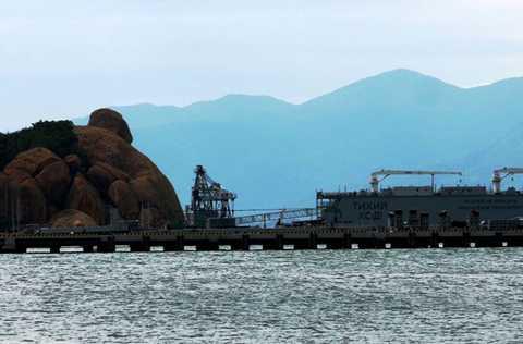 tàu ngầm, Kilo, Hà Nội, Cam Ranh, quân cảng, Rolldock Sea