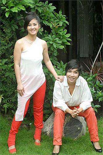 Mỹ Linh và Hồng Nhung từng là 2 ca sỹ nổi tiếng một thời của làng nhạc Việt.