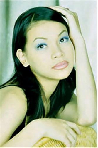Hình ảnh cô người mẫu vẫn khiến tên tuổi Hồ Ngọc Hà chưa được âm vang trong giới ca nhạc nhưng album đầu tay được xem là những bước đầu vững chắc để khẳng định chỗ đứng trong nghề.