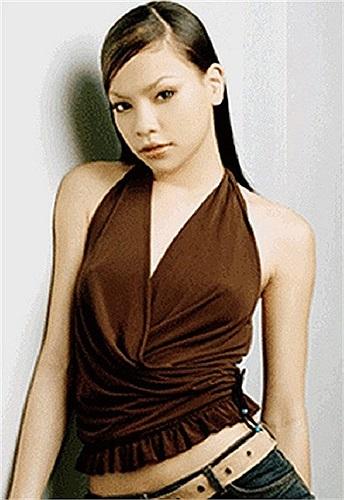 Tuy nhiên cái tên Hồ Ngọc Hà chỉ thực sự trở nên đình đám trong giới showbiz khi cô chính thức lên tiếng xác nhận thông tin có con với doanh nhân Nguyễn Quốc Cường (Cường Đô La).