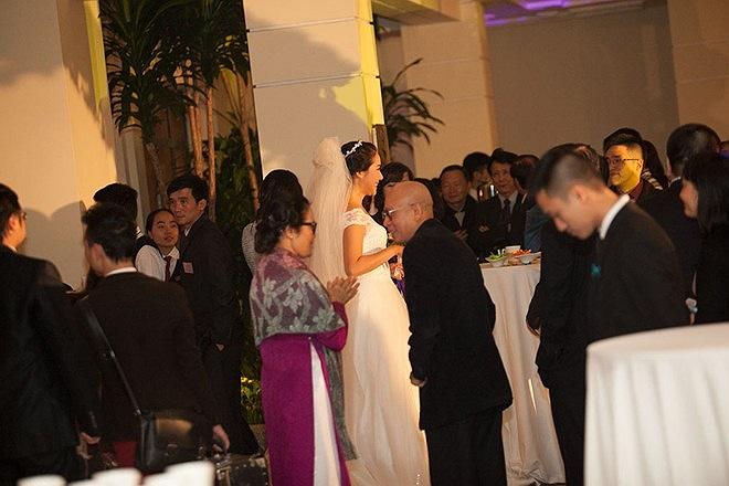 Sau đám cưới Lan cũng sẽ chia sẻ một số hình ảnh trên trang FB.