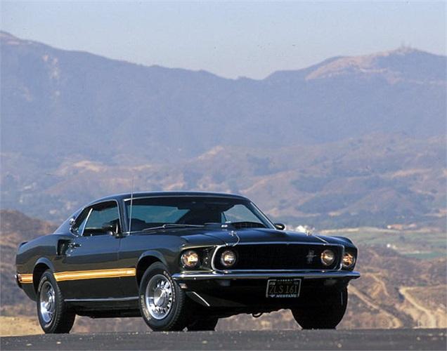 Tới năm 1969, Ford Mustang Mach I trình làng với 11 phiên bản động cơ khác nhau