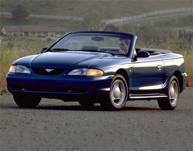 Thị trường đi xuống nên tới tận năm 1994 Ford Mustang mới được làm mới và đã đánh dấu sự trở lại của mình với rất nhiều thay đổi lớn như phong cách thiết kế mới, khung gầm mới, động cơ V8 dung tích 5 lít.