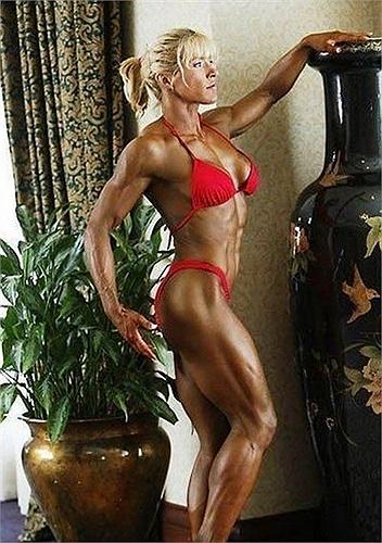 Đường cong và cơ bắp