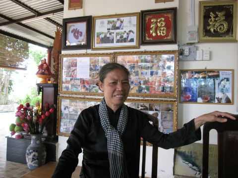 """Bà Vũ Thị Minh Nghĩa được nhiều người biết đến với danh tính """"nhà ngoại cảm"""" Năm Nghĩa."""