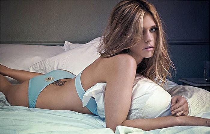 Tham gia đóng phim từ năm 2000, nhưng phải tới khi tham gia diễn xuất trong Amor & Sexo, nữ diễn viên này mới gây được tiếng vang
