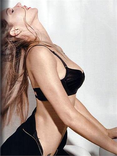 Fernanda Lima cực quyến rũ trong những khuôn hình