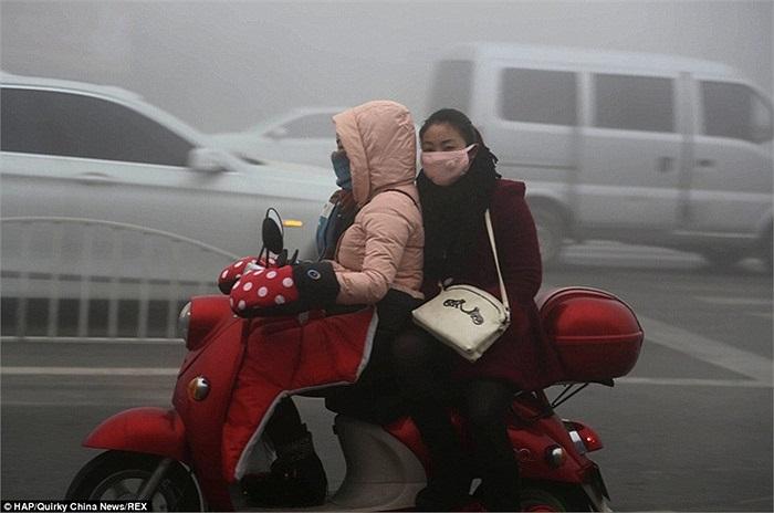 Những cô gái trên đường phố Hứa Xương, tỉnh Hà Nam