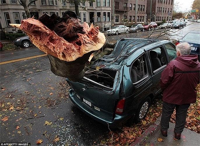 Tổng thống Obama tuyên bố tình trạng 'thảm họa nghiêm trọng' ở New York và Long Island sau khi Bão Sandy quét qua nước này làm ít nhất 50 người thiệt mạng hồi tháng 10