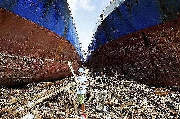 Cơn bão hủy diệt Hải Yến tấn công Philippines hồi tháng 11 khiến 5.200 người chết và hàng chục nghìn người rơi vào cảnh vô gia cư