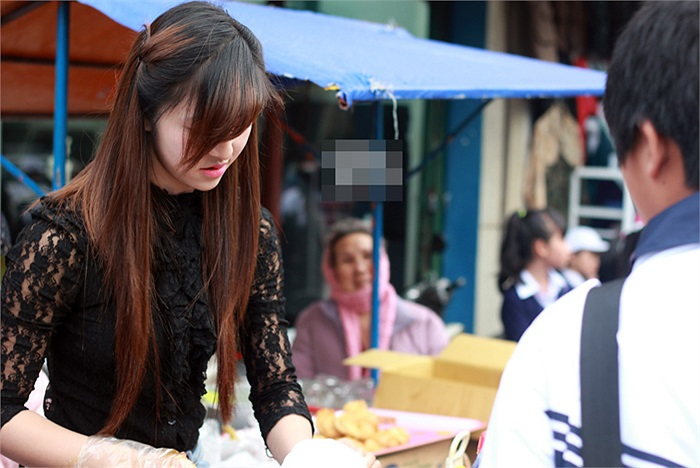 Được nhiều người biết đến, Bảo Chi nhận được nhiều lời mời làm mẫu ảnh từ các cửa hàng chụp ảnh cưới tại Đà Lạt.