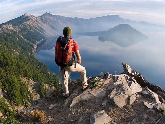 Công viên quốc gia Crater, Mỹ: Nơi đây sở hữu nhiều ưu đãi đặc biệt của thiên nhiên khi rất đa dạng về cảnh quan thiên nhiên, bao gồm đầy đủ núi non, sông hồ, rừng rậm ... Với vẻ đẹp tự nhiên mê hồn, hàng năm địa điểm này đón tiếp rất nhiều khách du lịch trên thế giới.