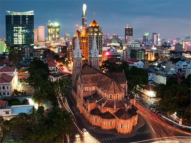 Thành phố Hồ Chí Minh, Việt Nam: Khá ngạc nhiên khi thành phố Hồ Chí Minh được lọt vào danh sách của National Geographic. Các kiến trúc hiện đại đan xen với kiến trúc cổ từ thế kỷ 19 là những điểm được đánh giá cao khi nói về thành phố này.