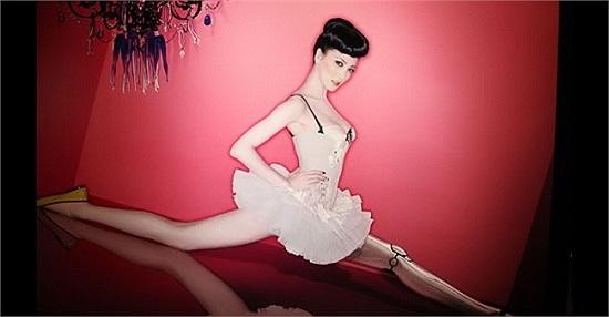 Ca sỹ Tạ Kim Yến được các chuyên gia thẩm mỹ đánh giá có đôi chân với tỷ lệ vàng. Cao 1m70, đôi chân dài 110 cm.