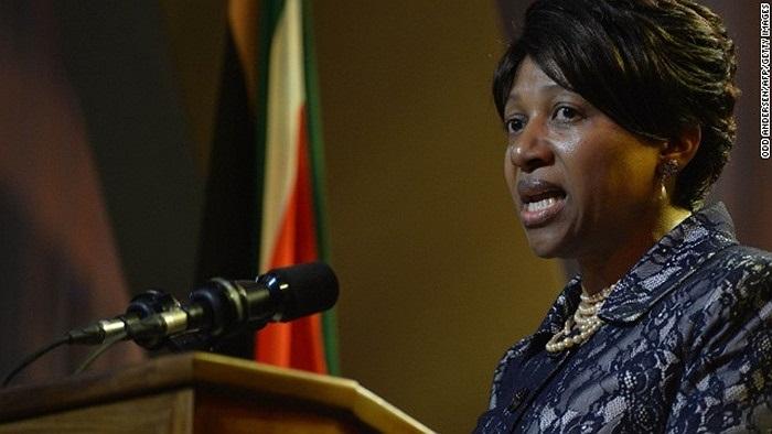 Cháu gái Nandi Mandela của Nelson phát biểu trong đám tang