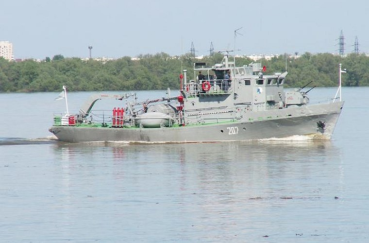 Cuối cùng là lớp tàu quét mìn gần bờ Project 1258 Yevgenya do Liên Xô chế tạo từ những năm 1960, Việt Nam có thể đã nhận viện trợ 2 tàu loại này. Lớp tàu có lượng giãn nước toàn tải 94 tấn, dài 26,13m, rộng 5,9m, mớn nước 1,3m.