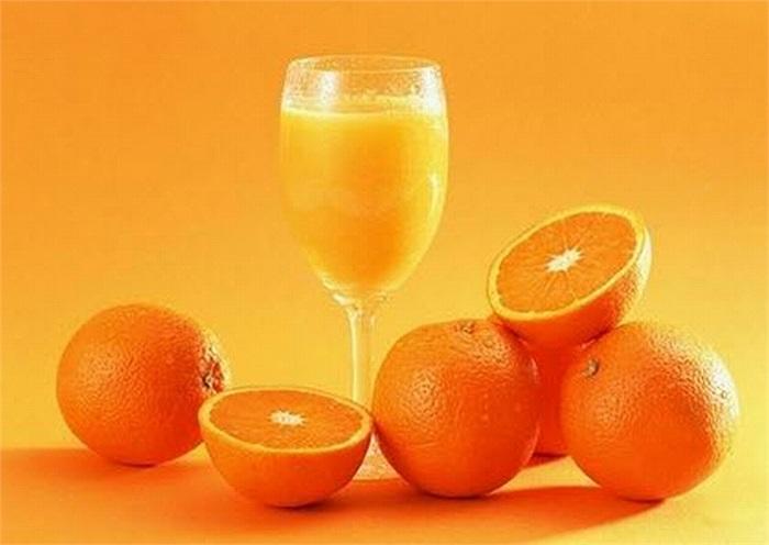 Cam chống ung thư, 1 quả cam vừa có thể cung cấp lượng vitamin C cần thiết trong 1 ngày, nâng cao khả năng phòng chống vi khuẩn xâm hại cho cơ thể.