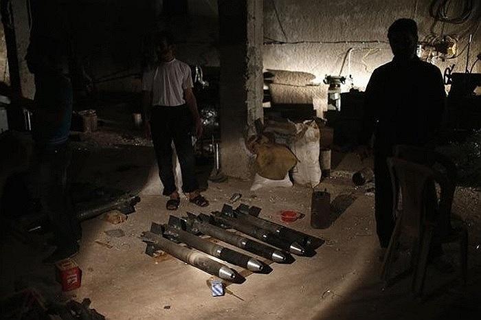 Loạt tên lửa tự chế của quân nổi dậy Syria ngày 21/8/2012