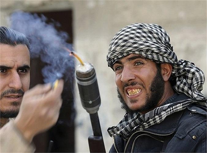 Súng gắn lựu đạn tự chế của phe nổi dậy Syria