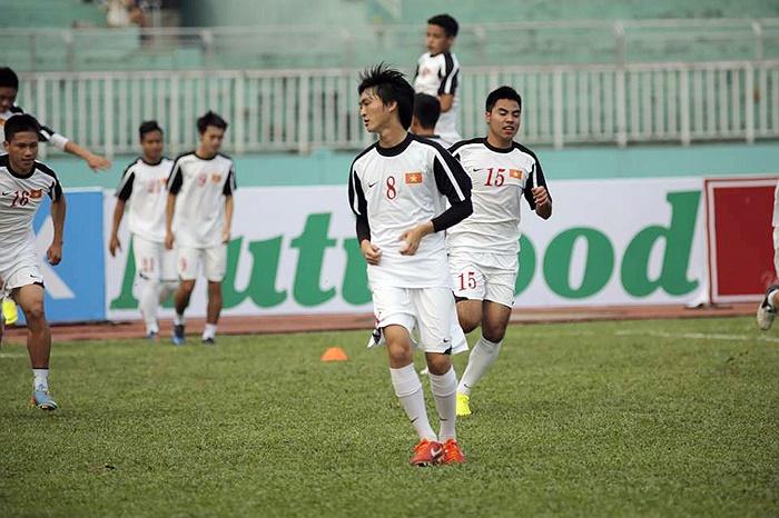 Tiền vệ Tuấn Anh (số 8) một trong những tài năng của U19 Việt Nam.