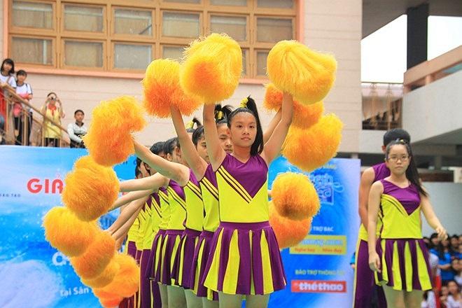 Giải đấu lần này thu hút 14 đội đến từ TP.HCM và 2 đội đến từ Đà Nẵng, Hà Nội.