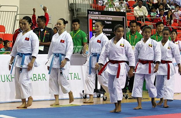 Đội nữ kata Việt Nam bước vào trận chung kết cùng nữ kata chủ nhà Myanmar.