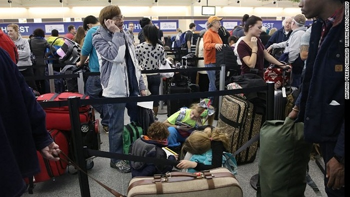 Hành khách mắc kẹt ở Sân bay Quốc tế Midway, Chicago