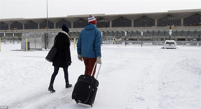 Hành khách ở Sân bay Newark, New Jersey