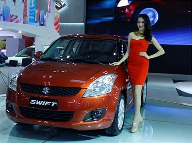 Xuất hiện tại triển lãm ô tô Việt Nam 2013, dòng xe Suzuki Swift có thiết kế khá cá tính nhưng được định giá thuộc dạng cao so với các đối thủ cùng phân khúc. Mức giá của nó đang là 599 triệu đồng.