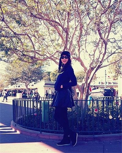 Ngọc Quyên đang có chuyến du lịch nước ngoài cùng bạn bè.